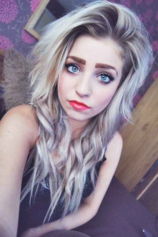 I Want Her Silver Blonde Hair Follow The Link To Her