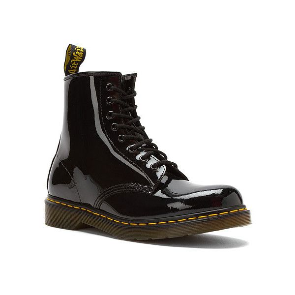 Dr. Martens Original 1460 Boots (2,210 MXN) ❤ liked on Polyvore featuring men's fashion, men's shoes, men's boots, black patent lamper, dr martens mens boots, mens long boots, mens patent leather shoes, mens black patent leather boots and mens black shoes