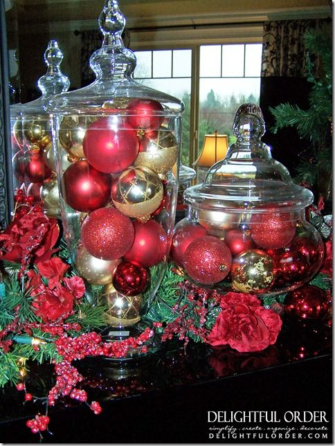 Christmas Decorating Ideas...i need to remember to add garland to mine this year!
