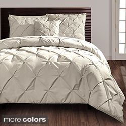 This charming comforter set adds a contemporary touch to the bedroom decor. The set features a beautiful plum and silver embroidered leaf design with pintucked accents. Set includes: Comforter, bedski