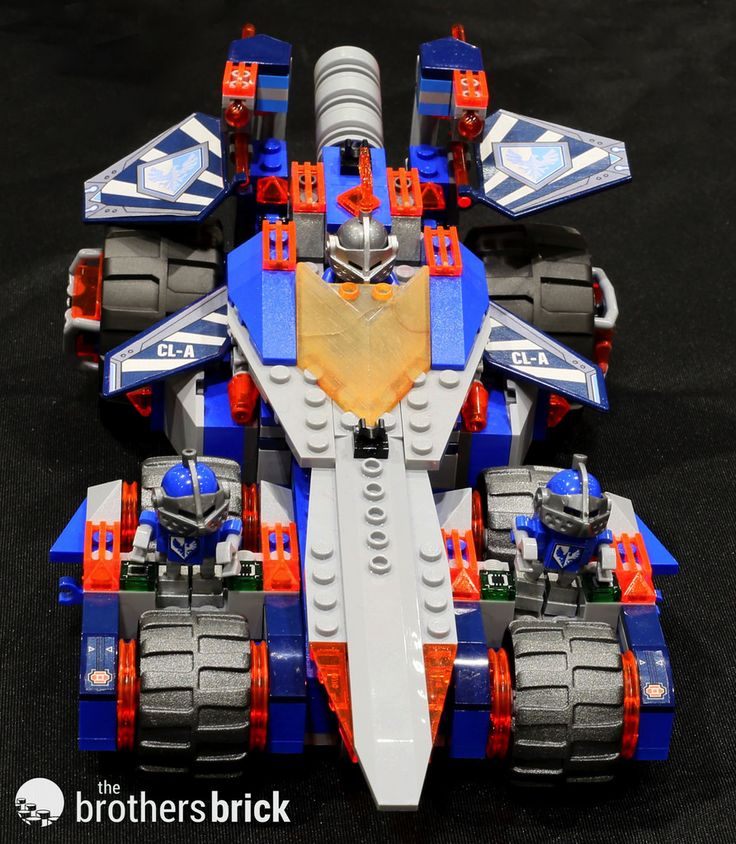 NEXO Knights 70315 Clays Rumble Blade http://www.flickr.com/photos/brothers-brick/23675158992/