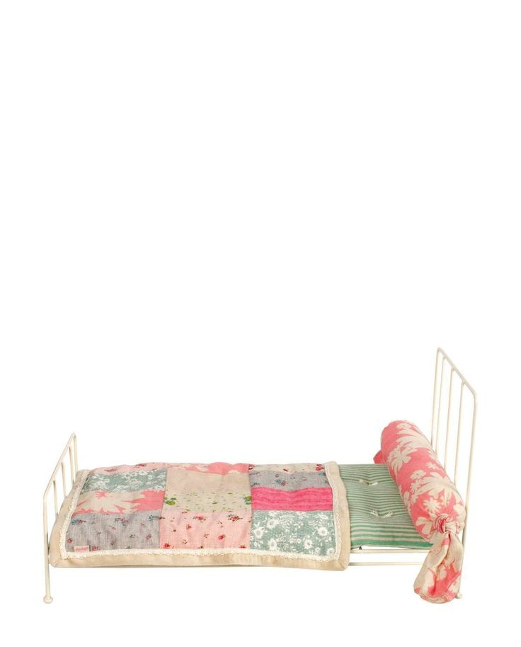 Maileg Medium White Metal Bed and Bedding: Amazon.co.uk: Toys & Games
