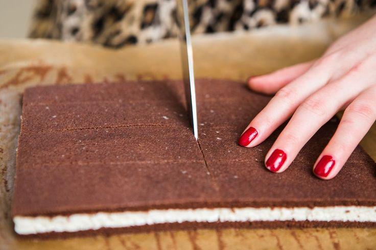 U sladkostí pro děti je často problém ohlídat, jestli inzerované zdravé ingredience opravdu odpovídají reálnému složení výrobku. Třeba mléčné řezy se proto vyplatí udělat doma z čerstvých a kvalitních surovin!