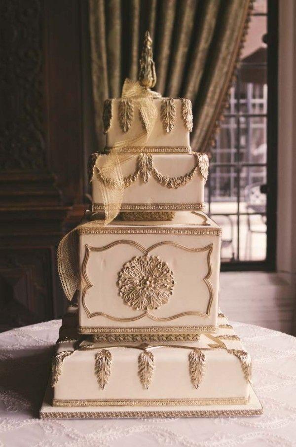 Wow decadant - vintage-inspired cake #weddingcakes #weddingideas