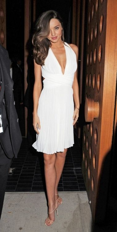White dress     Miranda Kerr