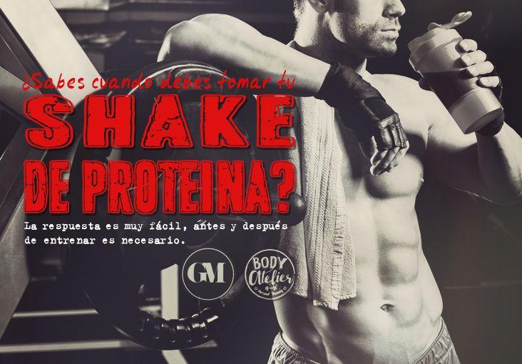 Si tu meta es aumentar masa muscular te recomiendo tomar tu shake 30 minutos antes, ya que das una inyección de aminoácidos, evitando en mayor grado la destrucción muscular. Y terminando de entrenar ya que ahí tus músculos son como una esponja y van absorber todo mucho mejor, ayudandote a perder grasa y bajar niveles de cortisol (la hormona del estrés) que se eleva en entrenamientos intensos y desgasta los músculos, si tomas tu proteína durante el proceso evitas que esto pase.