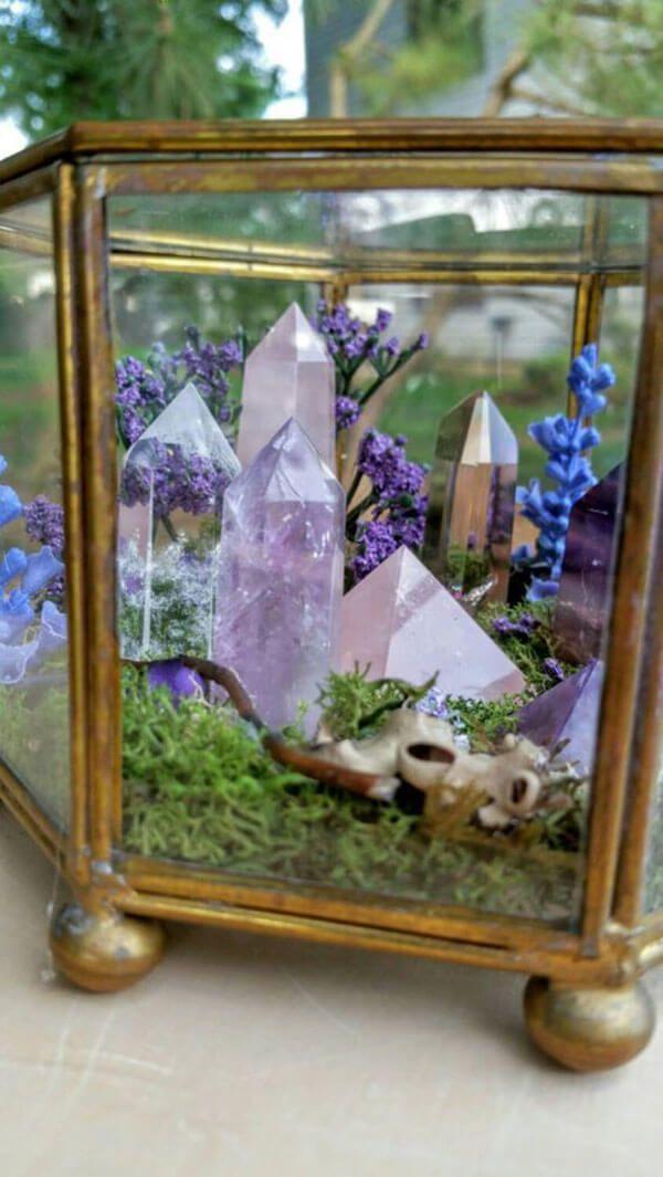 31 Dekorationsideen mit Kristallen und Steinen für einen Hauch von Glamour
