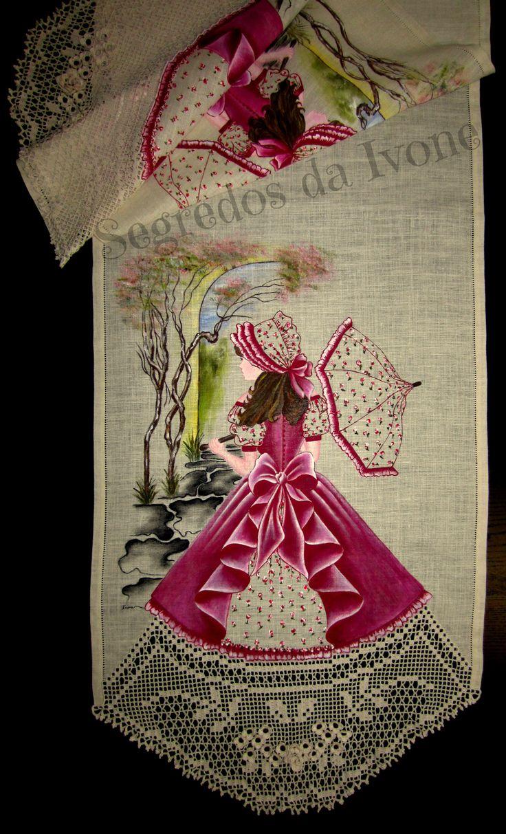 CM42- Pintura e crochet em caminho de mesa