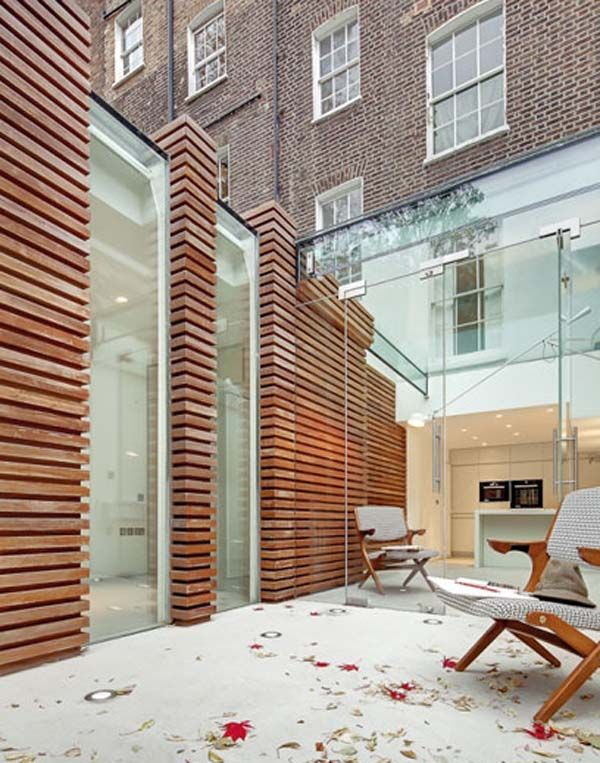 Designed by London-based DOS Architects, the terrace is an extension of a 1850s Georgian house in London's Islington neighborhood.