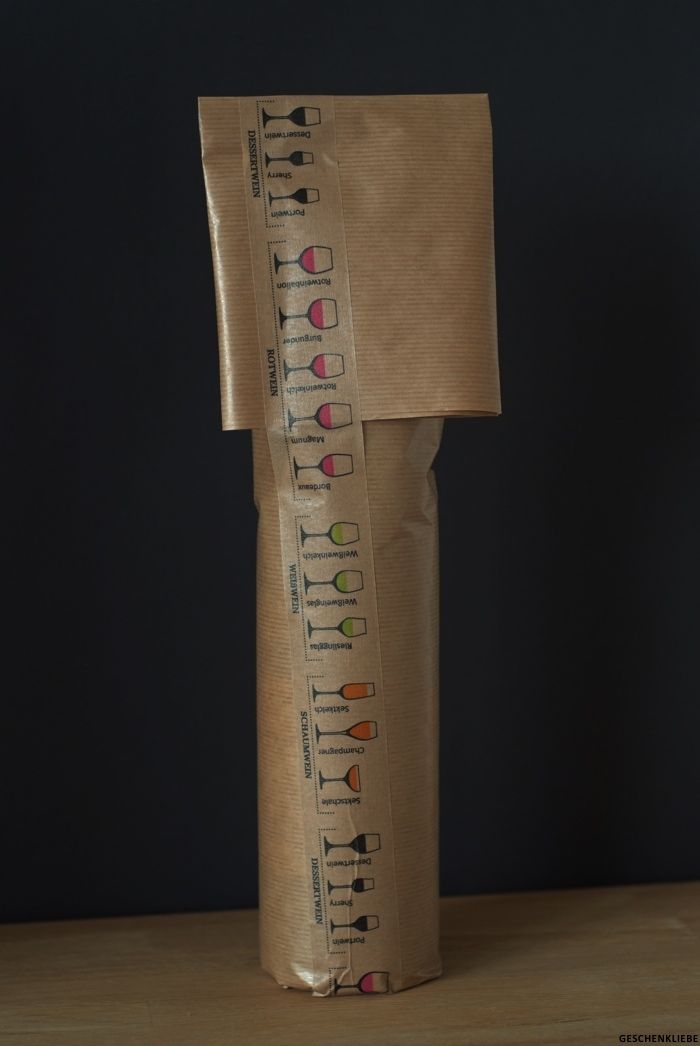 54 besten flaschen verpacken bottlewrap bilder auf pinterest geschenke verpacken kleine. Black Bedroom Furniture Sets. Home Design Ideas