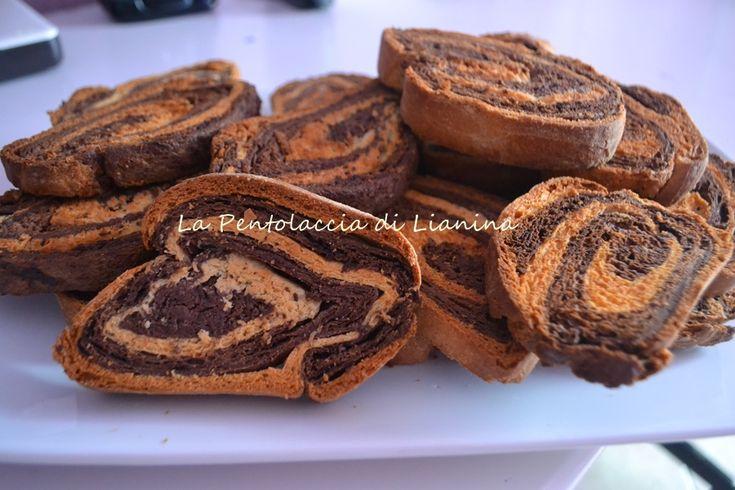 http://blog.giallozafferano.it/lianina/2013/11/01/fette-biscottate-bicolore/