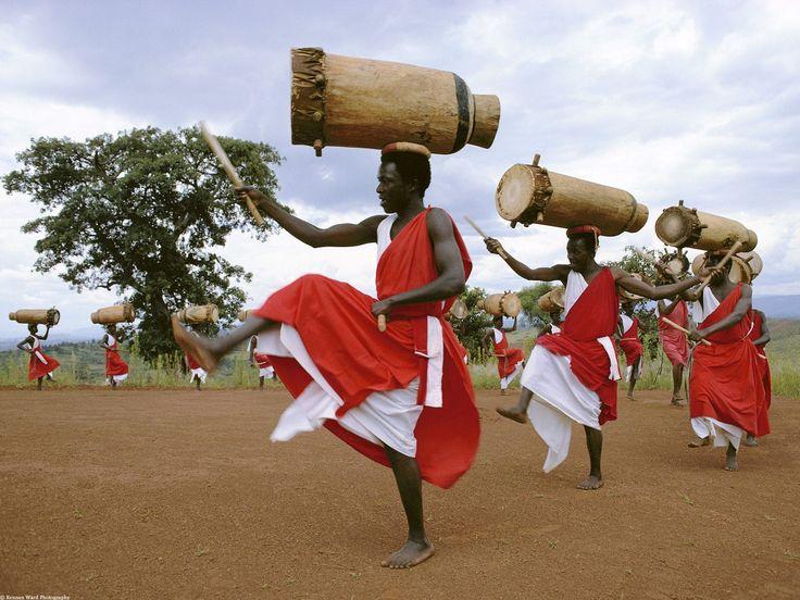 Gitaga Drummers, Highlands of Burundi, Africa - http://imashon.com/w/gitaga-drummers-highlands-of-burundi-africa.html