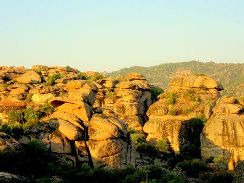 picture of Çine - Yatağan arası kayalar   &   Çine - Yatağan between rocks