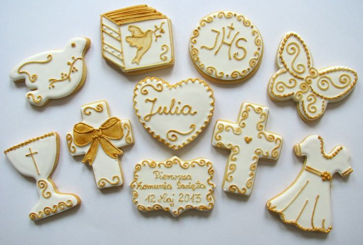 communion girl cookies in gold