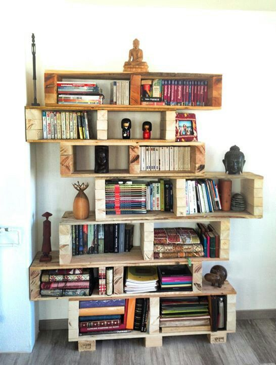 Pallet bookshelf #LiquidGoldSalvagedWood