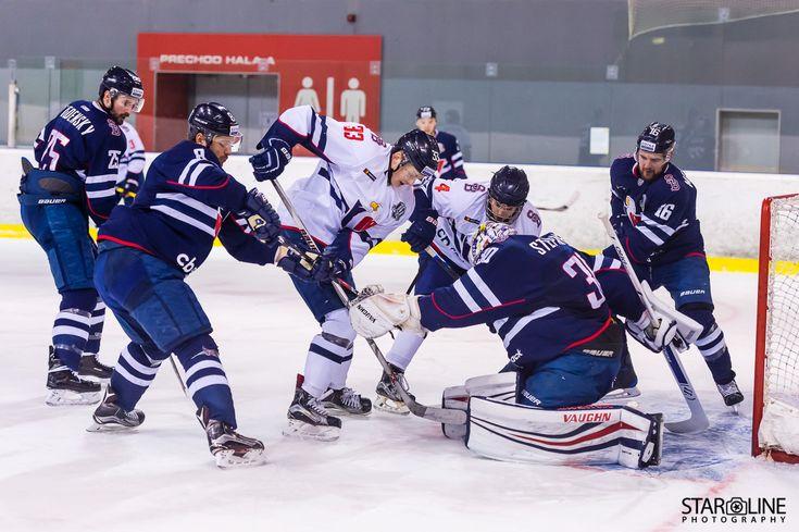 Počas olympíjskej prestávky si dnes chalani HC SLOVAN Bratislava zahrali modelový zápas spolu s juniormi. Okrem tvrdej makačky sa aj zabavili. #hcslovan #khl #vernislovanu