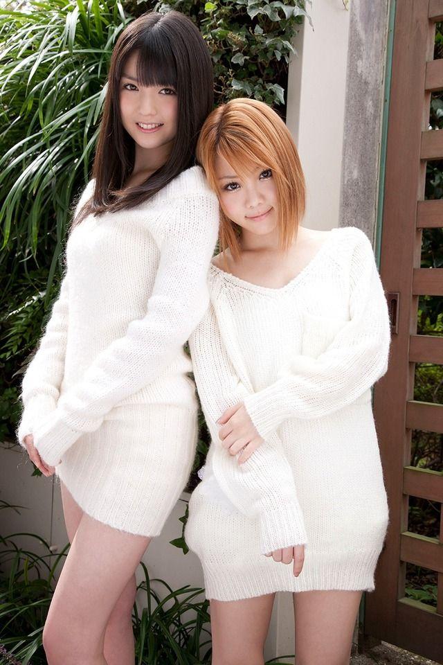 Reina Tanaka and Sayumi Michishige from Morning musume