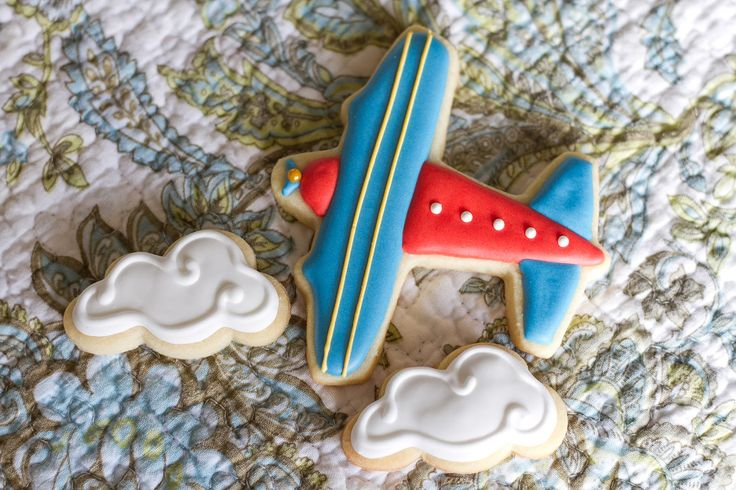 The Cullinan Family: Airplane Cookies