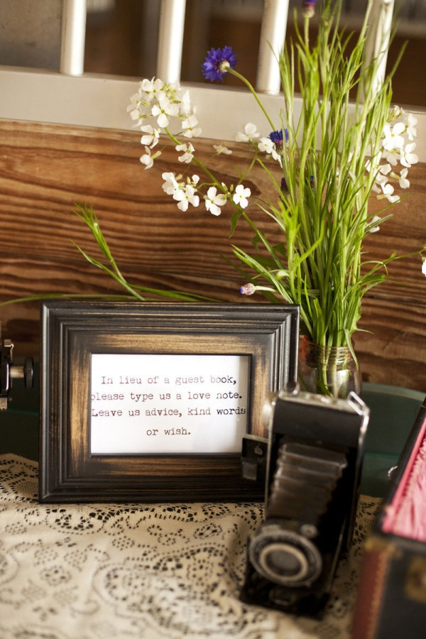 Guest book alternative ~  Photography by lauren-wakefield.com