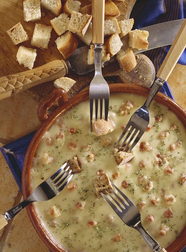29 best k sefondue den zarten schmelz mit freunden genie en images on pinterest fondue. Black Bedroom Furniture Sets. Home Design Ideas