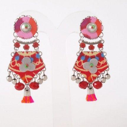 Prachtige oorbellen van Ayala bar spring/summer collectie 2014. Handgemaakte oorbellen met mineralen, kristal en glas   http://www.widaro.nl/ayala-bar-oorbellen-rood-3542.html