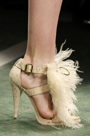 Because you can never have enough feathers...  #GenaShowalter #books #romance: Two, Feathers Sandals, Fall 2009, 2009 Readytowear, 2009 Ready To Wear, Heels, Accessories, Fashion Finding, Bizarre Shoes