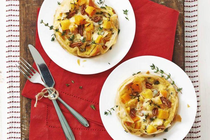 Chic hoofdgerecht met kaas en noten - Pompoentaartjes met blauwaderkaas - Recept - Allerhande