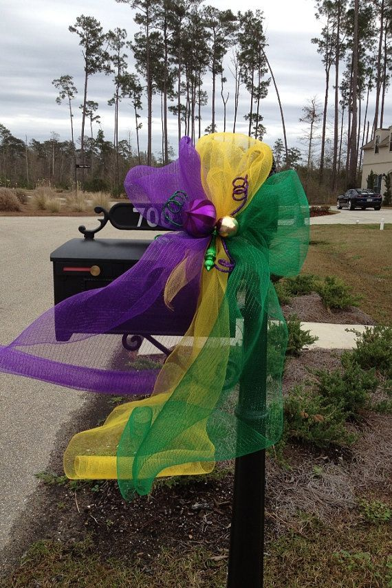 Mardi Gras mail box instead of balls I'll put a little Mardi Gras mask. ;) #mardigras #party #celebrate