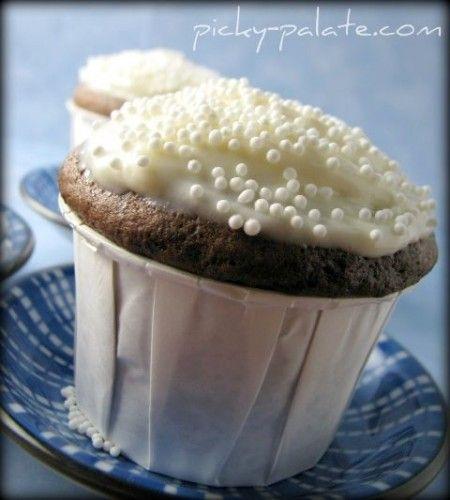 Peanut Butter Hidden Chocolate Cupcakes!