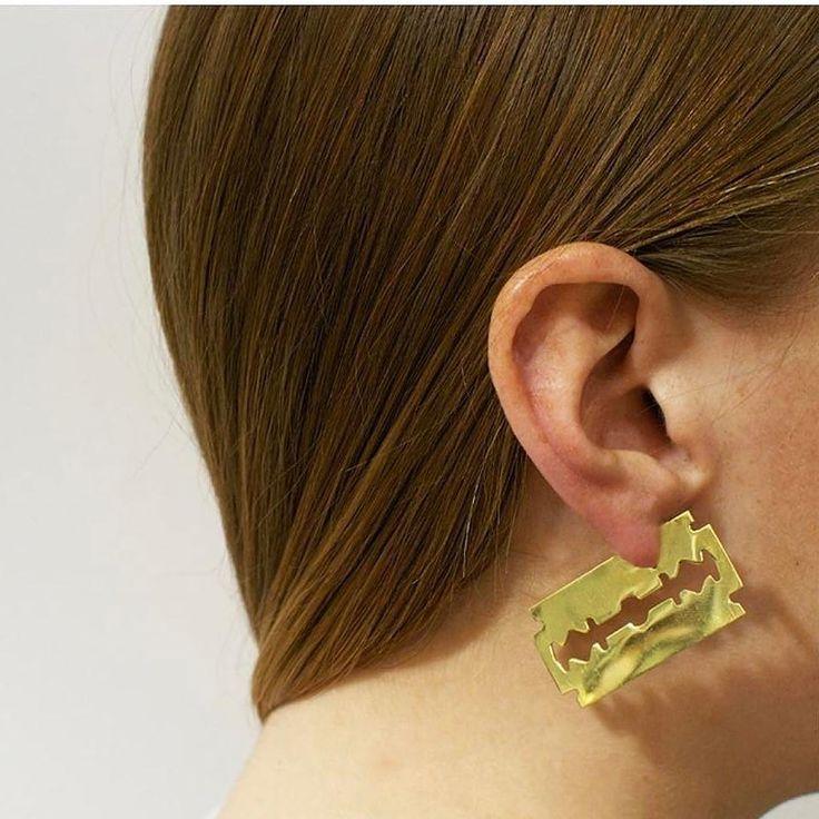 @sang_a_studio ・・・  cutting edge in Razor Blade Cut earring [coming soon] #sangarazorcutearring #sangajewelry #sangastudio #fw17 #sanga#jewelrygram#instajewels#archijewelz#jewelrylover #instajewelry #jewelrygram #jewelryart#jewelryaddict#jewelryblogger #ear#earrings#earpiece #earcuff#ear#earpiece
