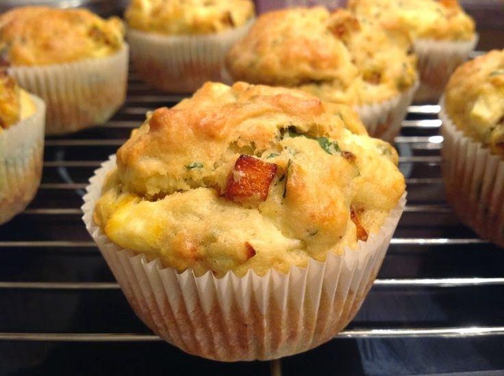 VÍKENDOVÉ PEČENÍ: Dýňové muffiny s bazalkou a sýrem feta