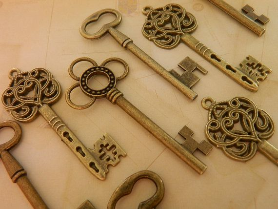 15 large skeleton keys bronze keys steampunk by GlowberryCreations