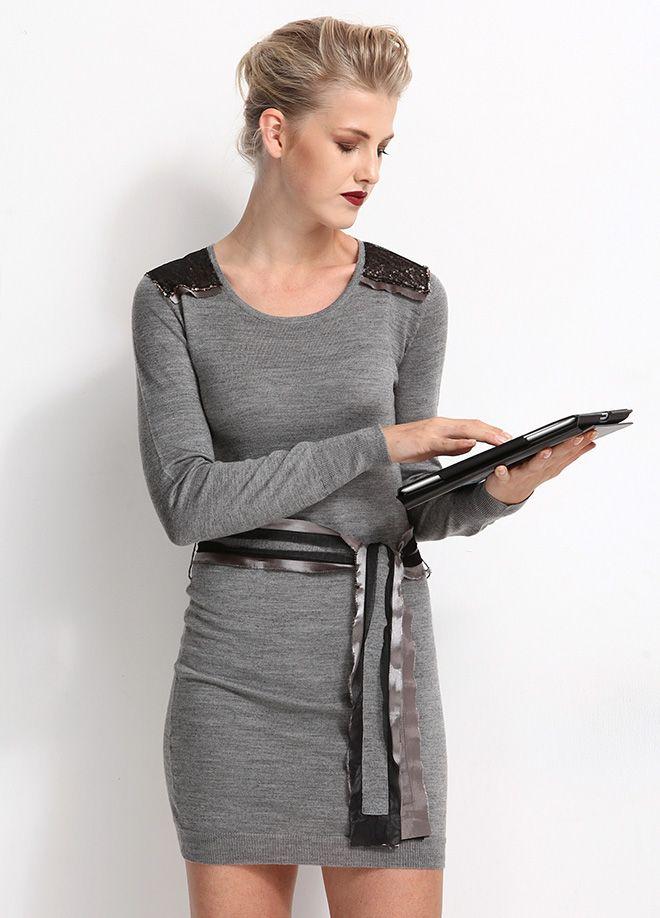 Stil Aşkı: 9/6 Ofis Şıklığı Omuzları Pullu Elbise Markafoni'de 69,99 TL yerine 29,99 TL! Satın almak için: http://www.markafoni.com/product/4894515/ #markafoni #fashion #instafashion #style #stylish #look #photoshoot #design #designer #bestoftheday #gri #dress #girl #model #bestagram