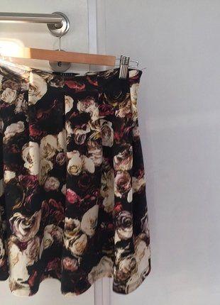 Kup mój przedmiot na #vintedpl http://www.vinted.pl/damska-odziez/spodnice/17524282-spodnica-w-kwiaty-mohito