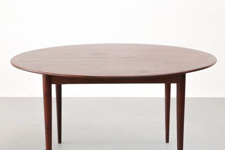 Grande table à manger ronde danoise des années 60 danis danish scandinavian dining table vintage johannes andersen arne vodder danke galerie