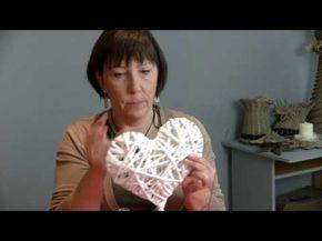 Na moim kanale pojawiają się filmy dotyczące mojej działalności rękodzielniczej w szczególności prace z papierowej wikliny oraz filmy instruktażowe. Zaprasza...