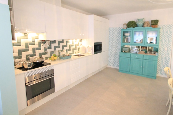 Morocan Inspired Kitchen - Project by Ana Antunes for House Makeover Show - Turquoise, green, morrocan inspired tiles, zig zag tiles