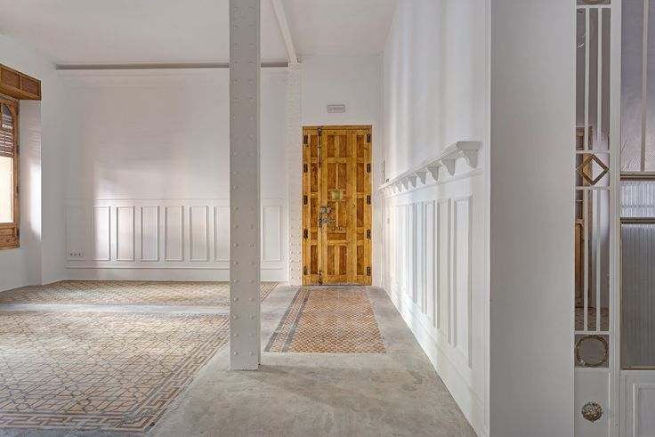 Local _ Singulares Inventory Room - Madrid 02