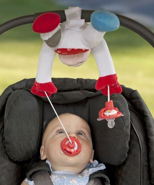 PullyPalz uses a pulley system to keep two pacifiers clean, sanitary, and at the ready for babies who are in the flinging stage.