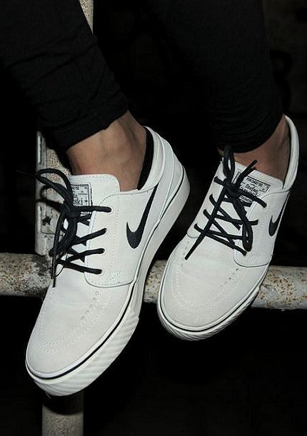 2016 Cheap nike shoes are popular online,not only fashion but also amazing price $21.9, Repin it now!