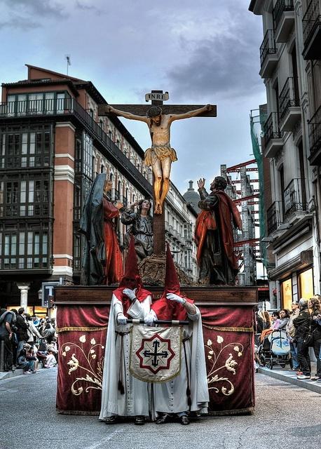 Semana Santa de Valladolid. Procesión del Santísimo Rosario del Dolor . Cofradía de las Siete Palabras.