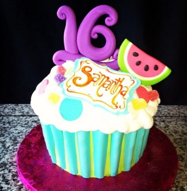 16th Birthday Treats: 16th Birthday Cupccake Cake For Girl With Purple #16 And