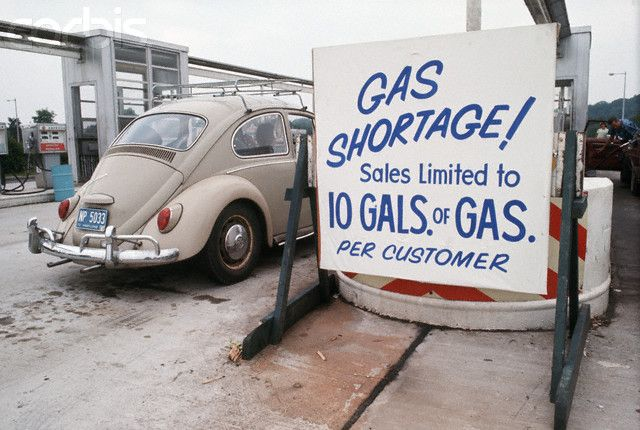 Gas shortage in Connecticut. Motorists had to fill their tanks on alternate days.