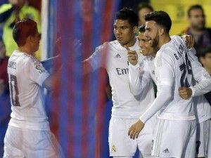 Cristiano por fin se desahoga y el Real Madrid toma aire contra el Levante