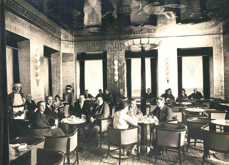 """Fazerin Kahvila"" at Kluuvikatu 3 / Fazer Café  Suomi (Finland), Helsinki, early 1930s"