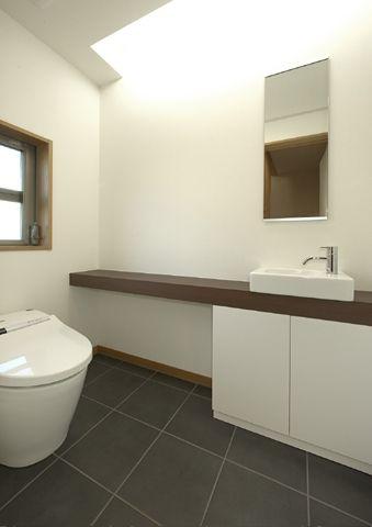 トイレ(浜寺公園の家)- トイレ/バス事例 SUVACO(スバコ)