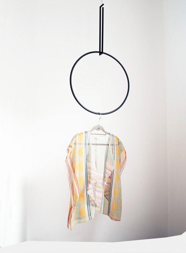 Colgadores geométricos // Circulo negro // Studio M+S (Melissa Dupont+Sybil Roose)