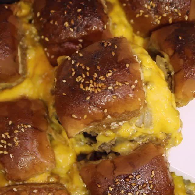 Cheesy Pull Apart Sliders Recipe Desert N Snack Time In 2019 Slider Recipes Ground Beef