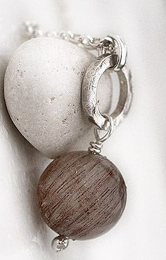 Rutiilikvartsi. Rutilated quartz. www.paulankorukauppa.net