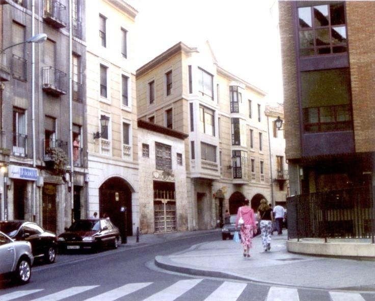 Fotomontaje de Juan Carlos Urueña Paredes  En la calle de San Ignacio estuvo el hospital de la Caridad o de la Misercordia, que ejerció larg...